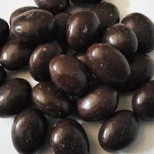 Bioles almonds covered in dark chocolate