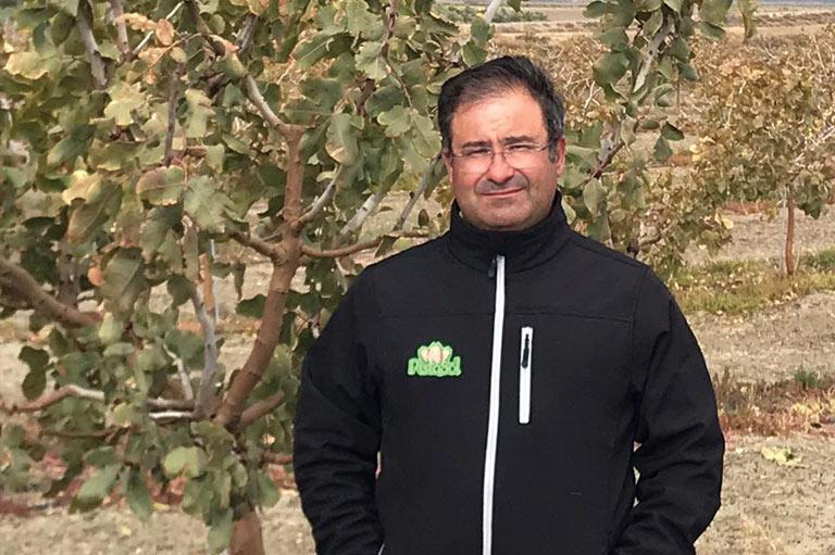 Productor de pistachos orgánicos Gumersindo Sanchez Bretones